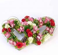 Corazón doble de flores