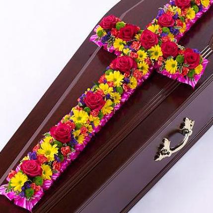 Cruz funeraria flores variadas